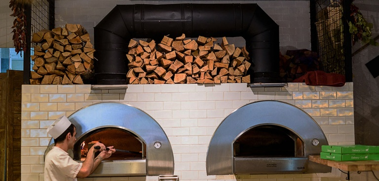 Built in pizza oven for pizzeria